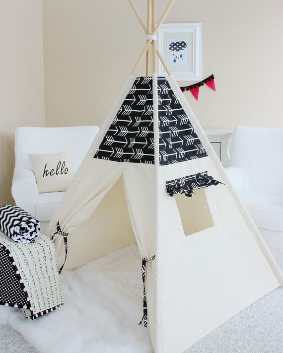 fl ches noires et toile naturelle tipi jouent tente maison de jeu chambre d enfant tipi. Black Bedroom Furniture Sets. Home Design Ideas