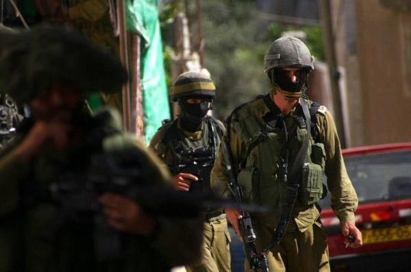 PHOTO: #Israel's occupation forces seeking lost illegal settlers in occupied #Hebron of #Palestine(9)