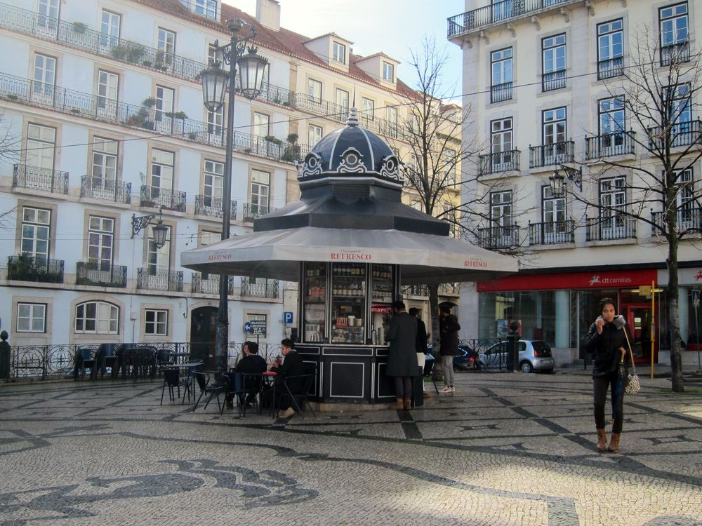 We previously wrote a post about Quiosques, small cafe kiosks located in city squares, and their awesome prevalence throughout Lisbon.