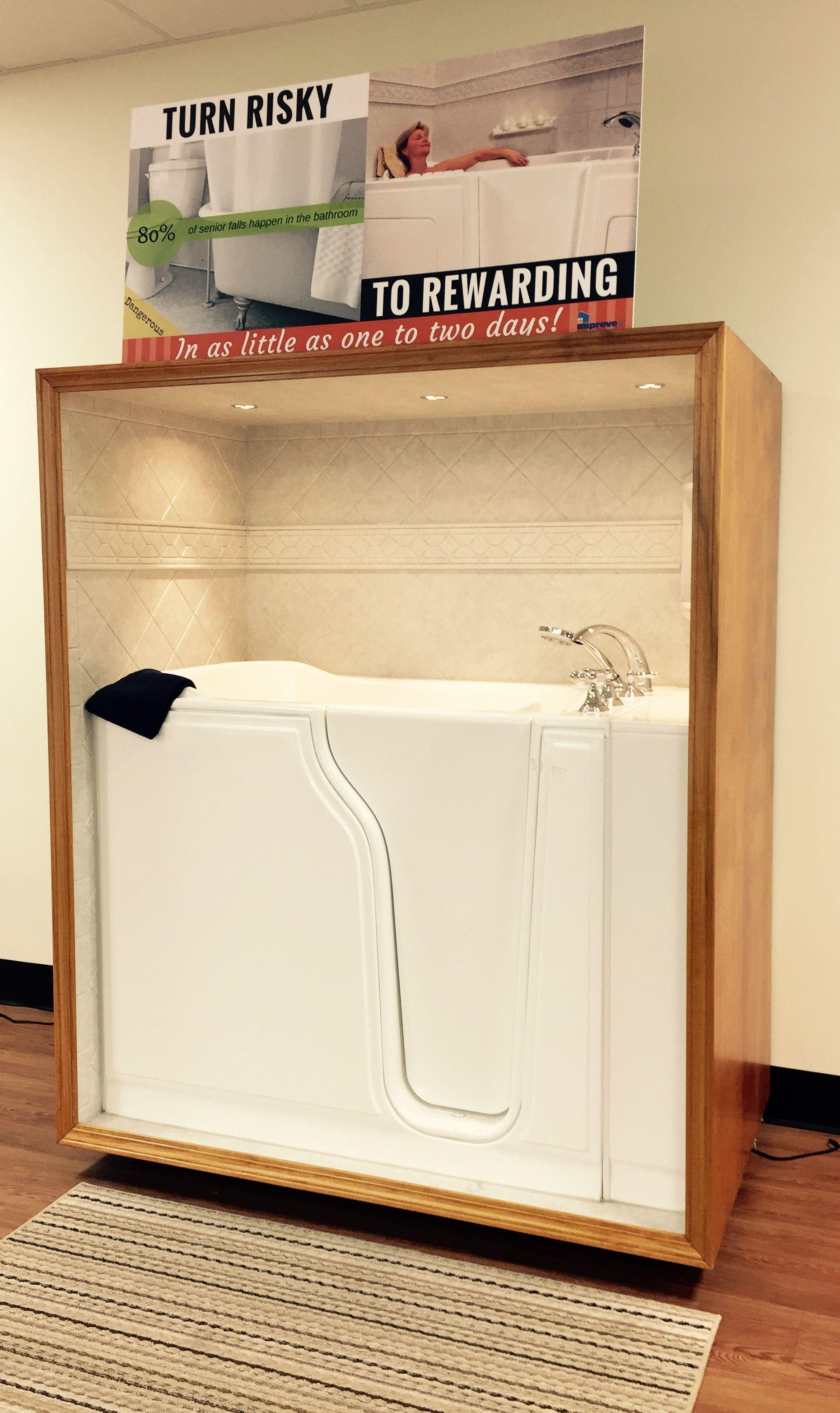 White walkin-tub