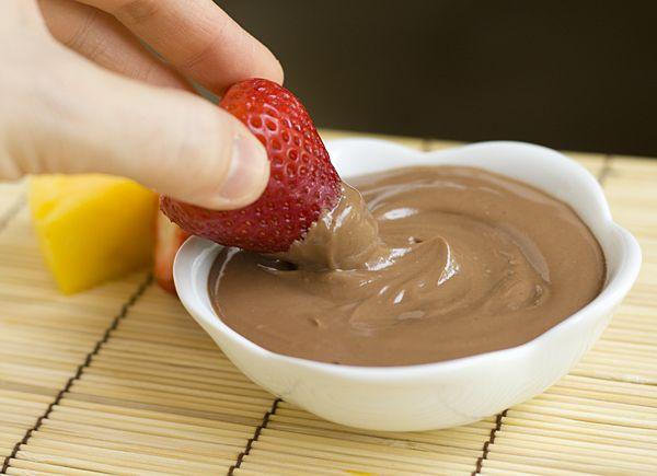 Nutella + greek yogurt fruit dip