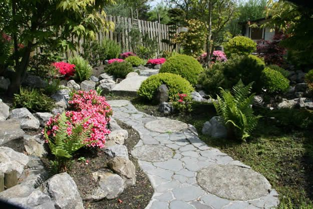 East meets west in this Japanese-style garden located in the