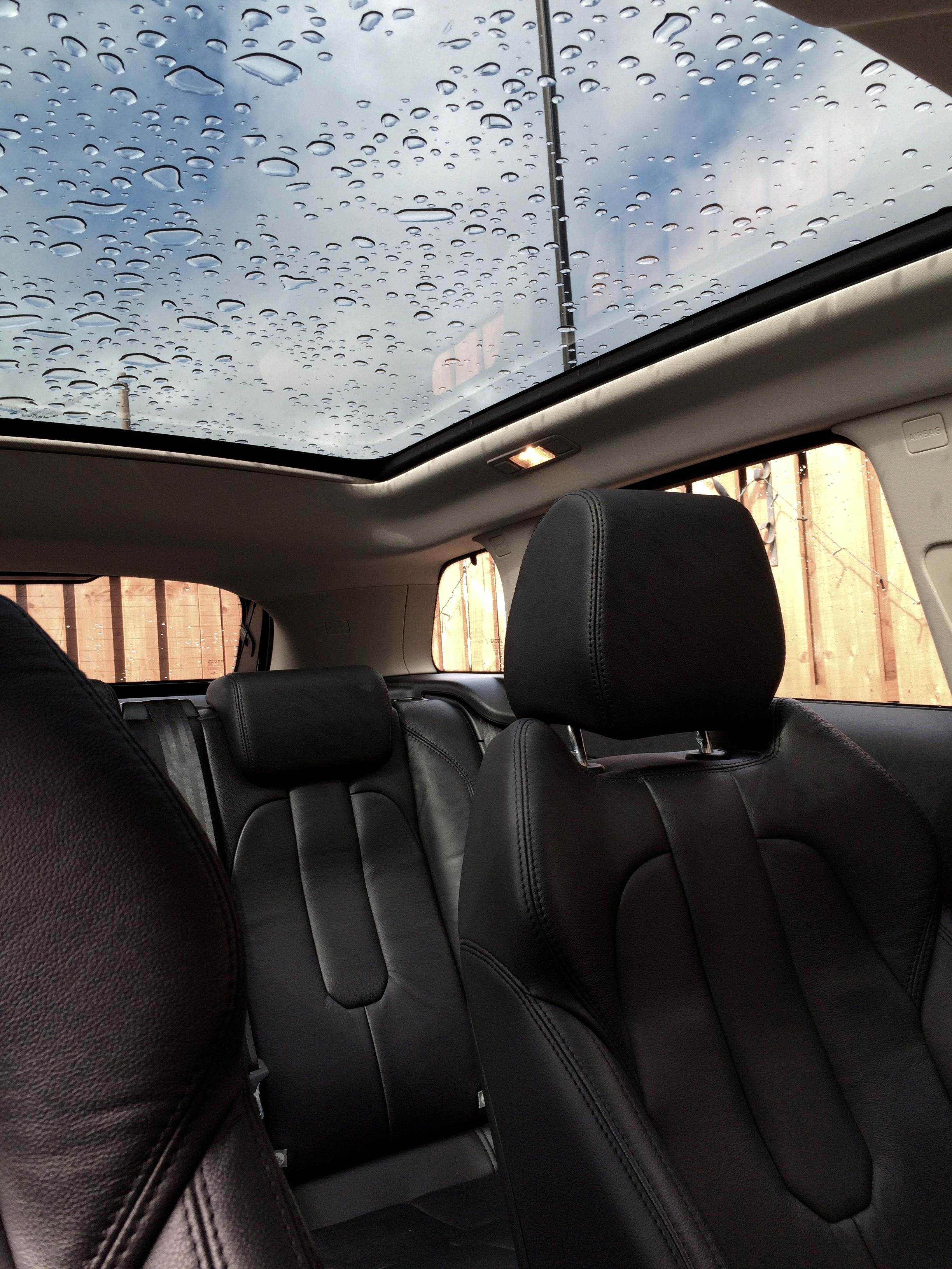#Panoramic Roof After Rainfall. Range Rover Evoque. #Leather #Black