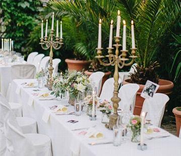 Tischdeko hochzeit naturlook  Tischdekoration in Natur-Look mit Kerzenleuchtern | Wedding Deko ...