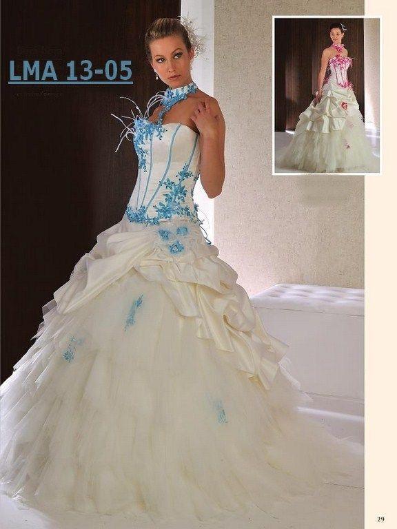 Robe de mariée Référence 13-05 moins de 799€ Les mariés d'Aphrodite http://www.lesmariesdaphrodite.com/ceremonie/la-mariee-collection-2013-/74/0/les-harmonieuses.html