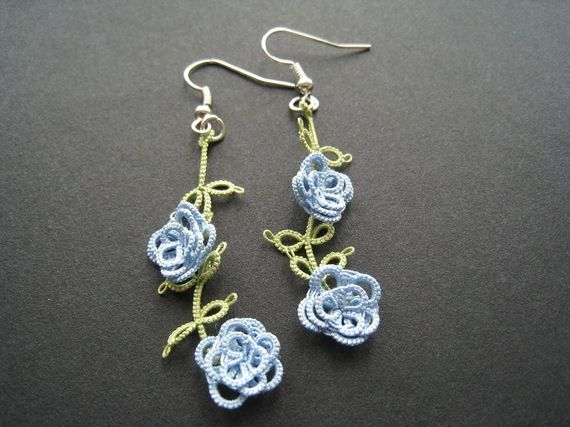 Tatted blue roses earrings #jewelry #tat #tatting