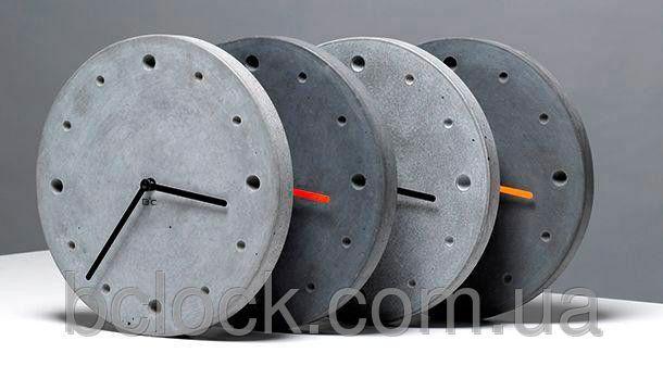 Круглые интерьерные часы из бетона