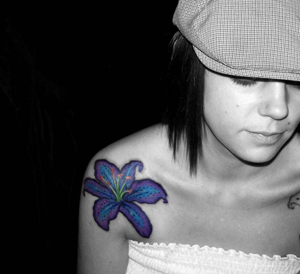 Flower tattoos on shoulder for women beautiful purple hibiscus flower tattoos on shoulder for women beautiful purple hibiscus flower tattoo on shoulder izmirmasajfo