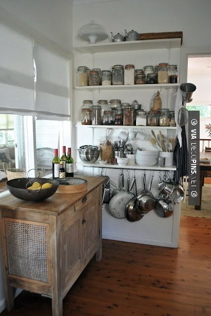 Neat! Kitchen organization | CHECK OUT MORE GREAT KITCHEN IDEAS AT DECOPINS.COM | #kitchens #kitchen #kitchenremodel #remodeling #homedecor #homedecoration #decorators #decorating #interiordesign #kitchenideas