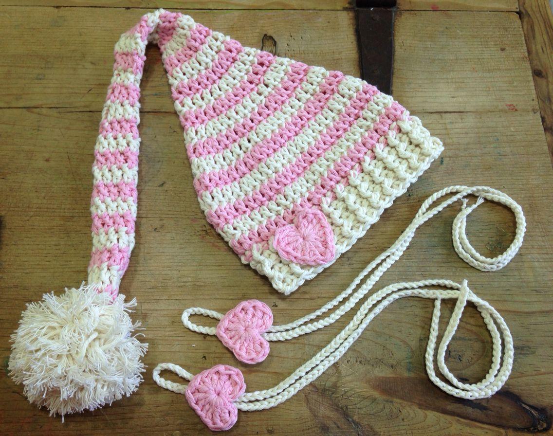 Conjunto gorro elfo a crochet en color hueso y rosa con un detalle ...