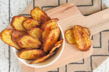 Zelfgemaakte chips met kruiden uit de oven - Simplyvegan.nl #wrapshapjes