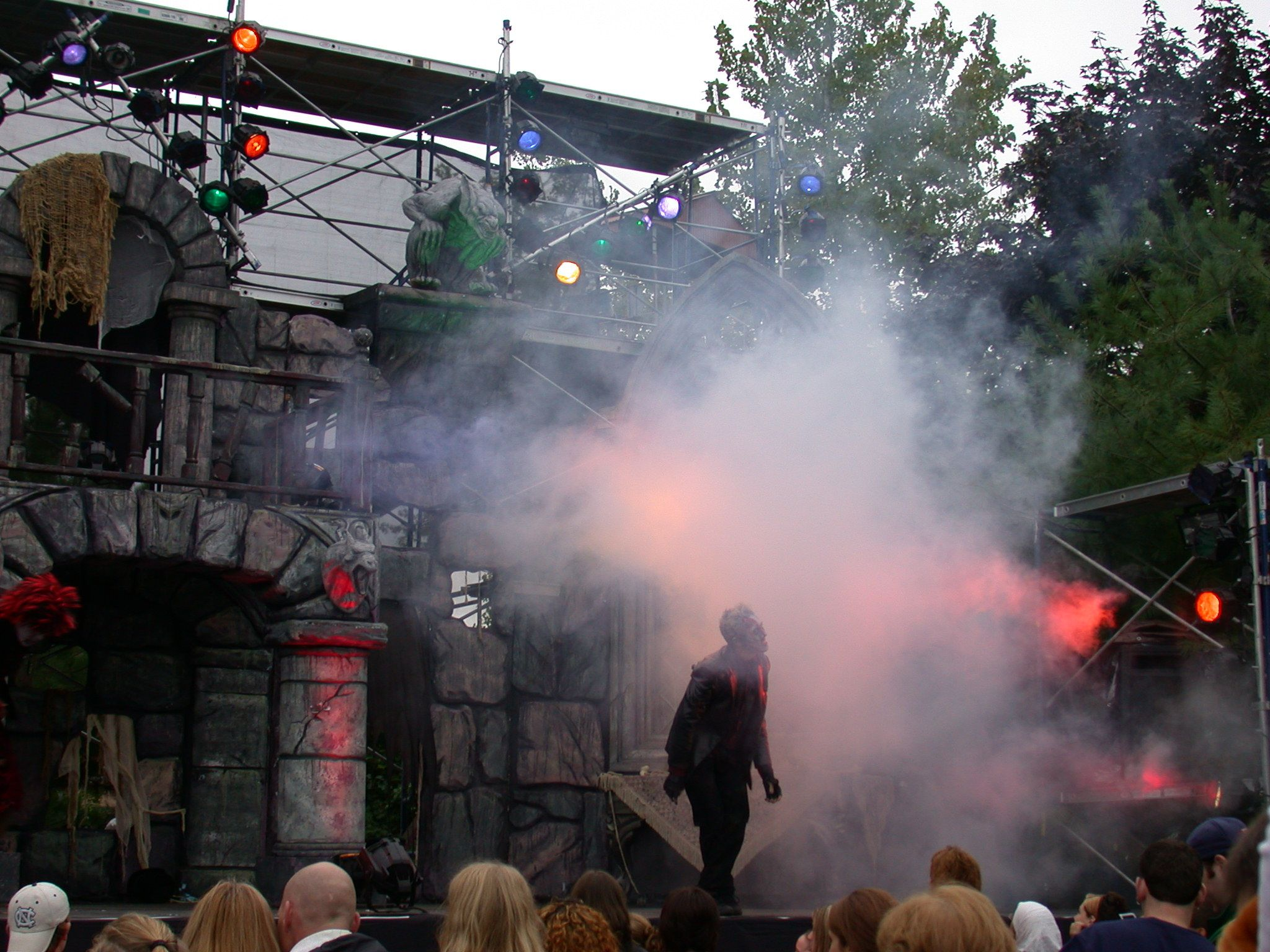 halloween at six flags new england dead mans party