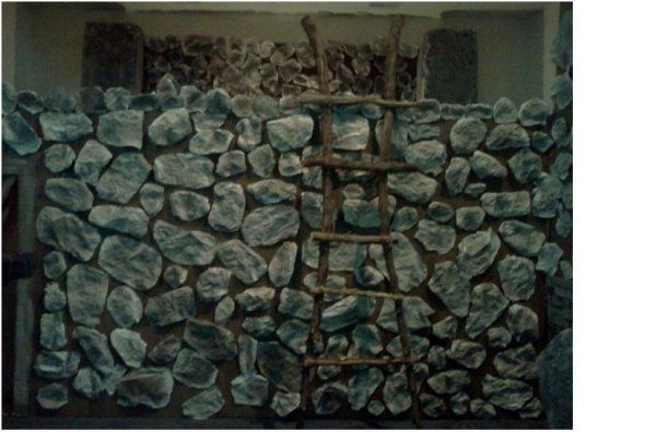 Faux Rock Wall From Crumpled Paper Neat Idea For Tween Medieval Room Wonder How Well It Would Hold Up Faux Rock Walls Rock Wall Fake Rock Wall