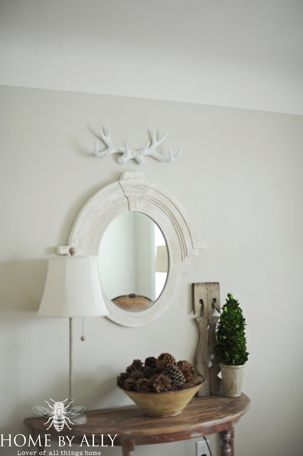 Wall paint valspar 39 s subtle taupe it 39 s a historical for Light neutral wall colors