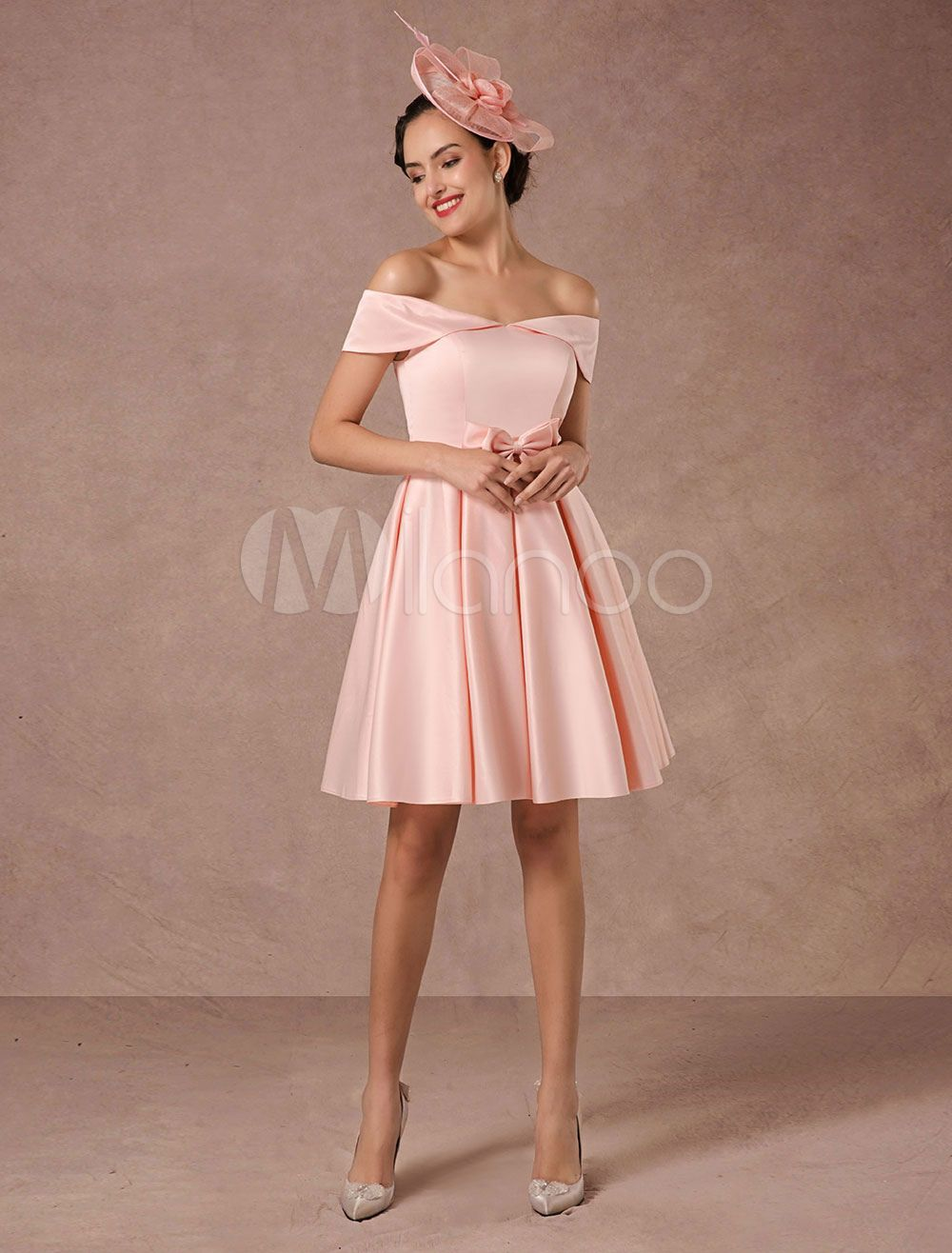 Vestido de boda corto rosa fuera del hombro de satén Vintage ...