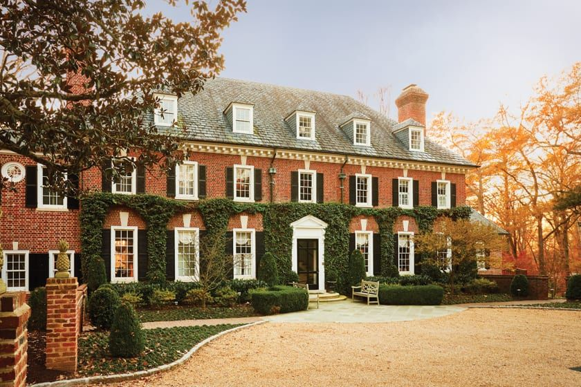 A 1930s Georgian In Virginia Gets A Refresh The Glam Pad In 2020 Georgian Mansion Georgian Architecture Virginia Homes