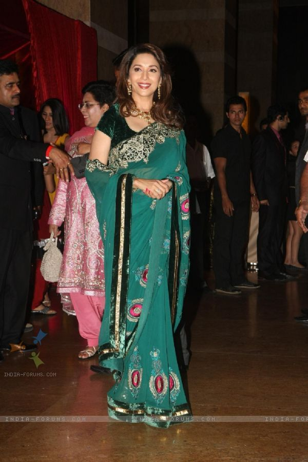 Madhuri Dixit Grace Ritesh Deshmukh Genelia Dsouza Wedding Reception In Mumbai