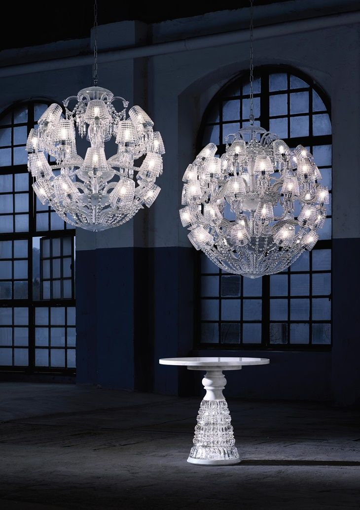 dubai designs lighting lamps luxury luxury villa this majestic chandelier contemporary twist of the iconic znith is revealed under new light thanks to its current and timeless spherical lasvit httptempodadelicadezacombrwpcontentuploads201711