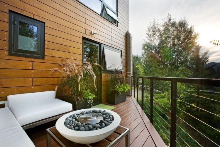 balkongelander-ideen-metall-schwarz-rahmen-draht-fuellung-kleiner - umbau wohnzimmer ideen