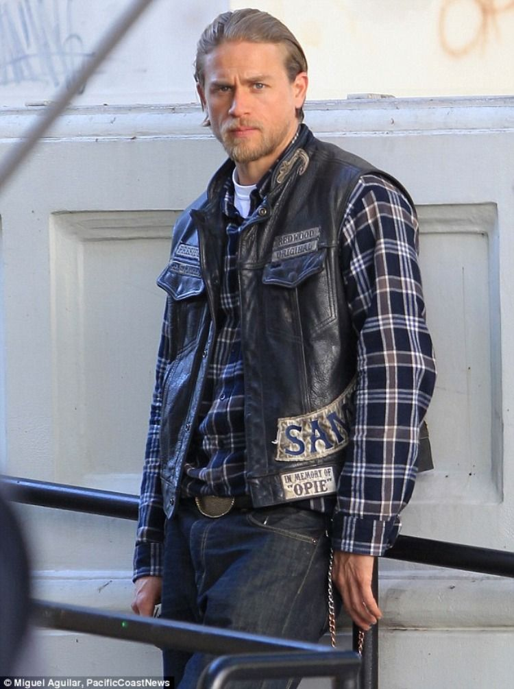 Additionally Stylish Sons Of Anarchy Leather Vest Buy Movie Jackets Uk Sons Of Anarchy Charlie Hunnam Jax Sons Of Anarchy