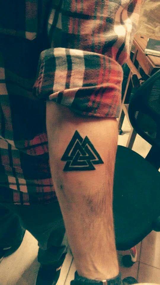 Valknut Mais Tattoos Pinterest Tatouage Tatouage Viking And