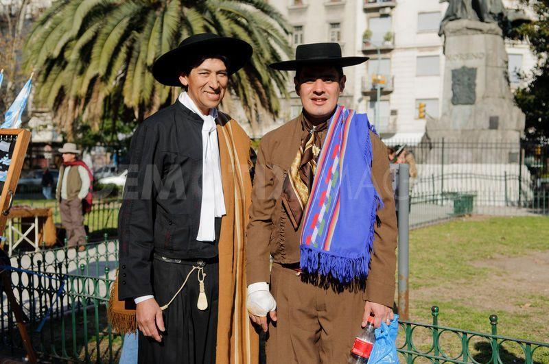 Argentina clothing traditional argentina clothing style