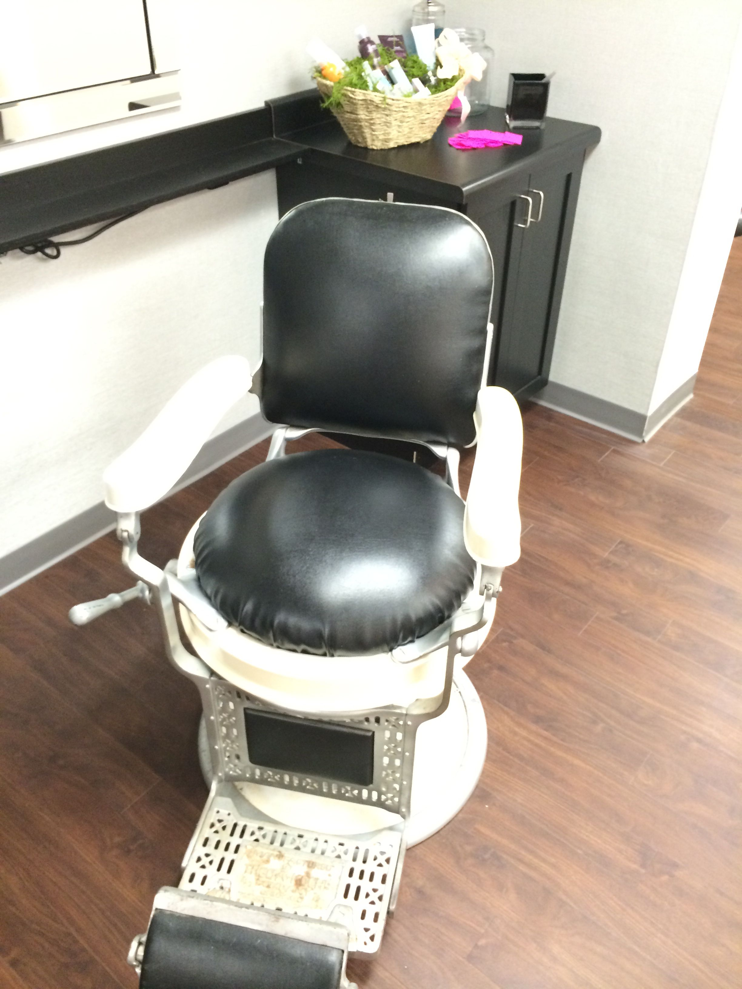 Great barber chair. Bee hive Fairfield Iowa