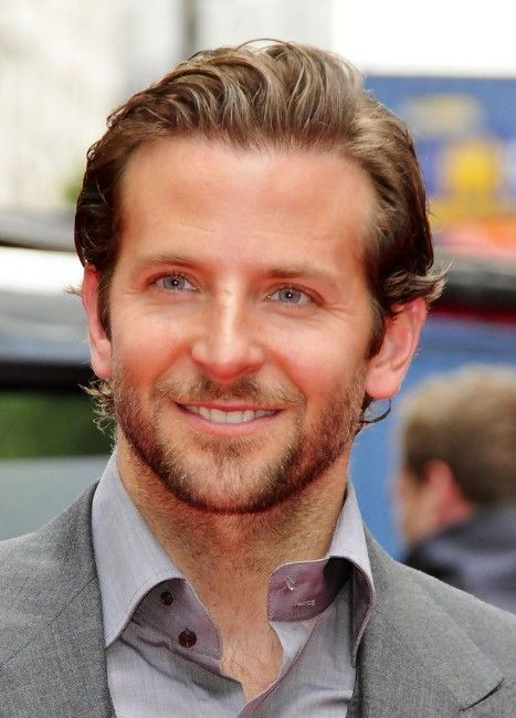 Bradley Cooper Hairstyle Layered Slicked Back Haircut For Men Hairstyles Weekly Bradley Cooper Hair Haircuts For Men Mens Hairstyles Short