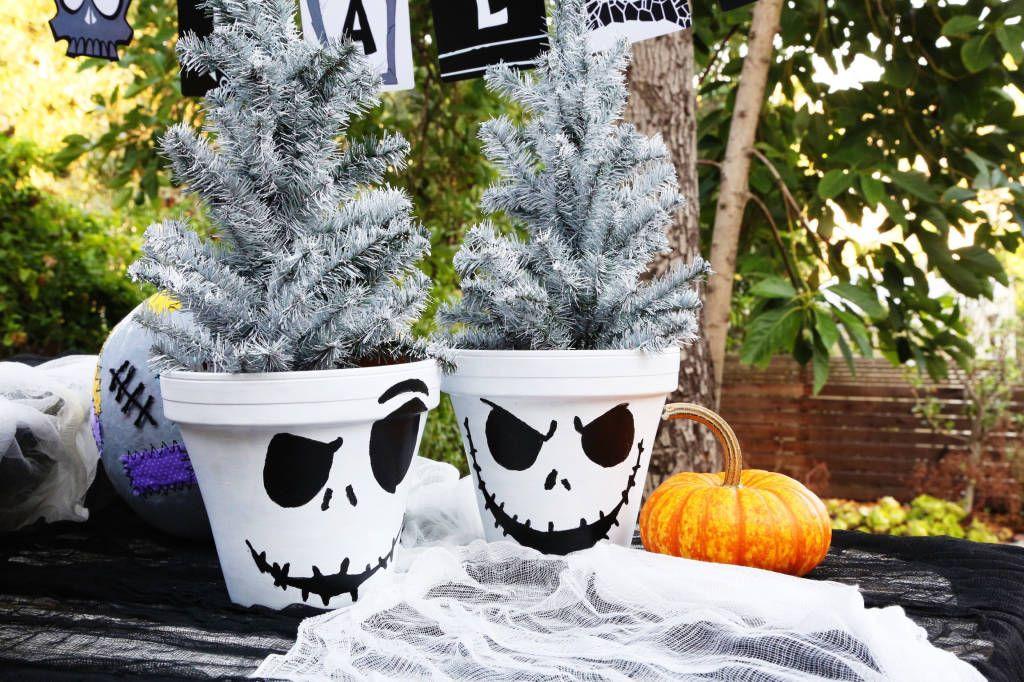 Jack Skellington Flower Pot Jack skellington, Holidays and - disney christmas yard decorations