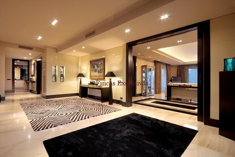 Como disear interiores de casas cocina amplia d for Interiores de casas lujosas