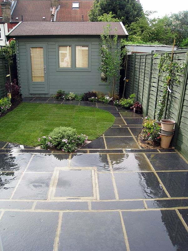 Leuke combinatie van strak en organisch tuin for Very small garden design ideas uk