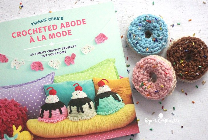 Twinkie Chan S Crocheted Abode A La Mode Book Review Repeat Crafter Me Twinkie Chan Snowmen Patterns Repeat Crafter Me