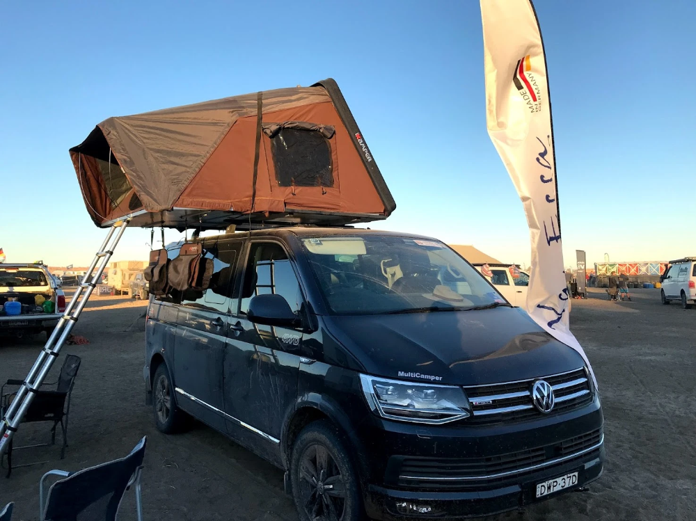 Skycamp 4x V2 0 Roof Top Tent For Up To 4 People Kombi Life In 2020 Top Tents Roof Top Tent Tent