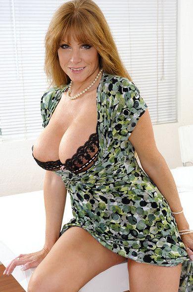 Darla Crane Is Friends Hot Mom Wife Hardcore Milfs