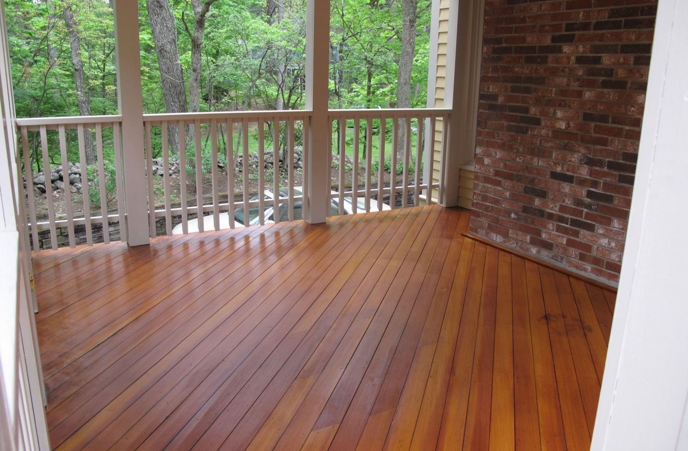 Douglas Fir Decking With Teak Stain Sealer And Opaque Navajo White Color On Rails Staining Deck Deck Design Deck Restoration