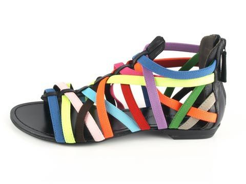 funky sandals! reminds me of a rubberband ball!