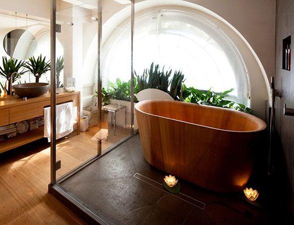 une baignoire en bois pour une salle de bain naturelle - Salle De Bain Naturel
