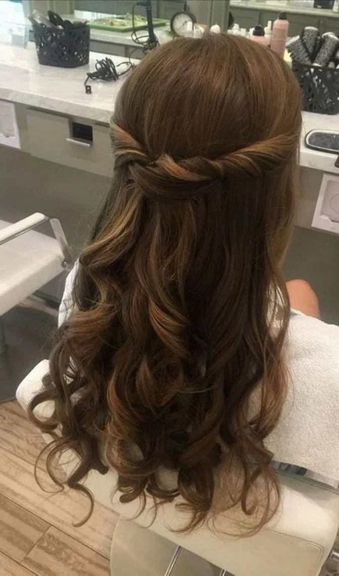 18 Most Wanted Long Prom Hairstyles That are Simply Gorgeous 18 18 Most Wanted Long Prom Hairstyles
