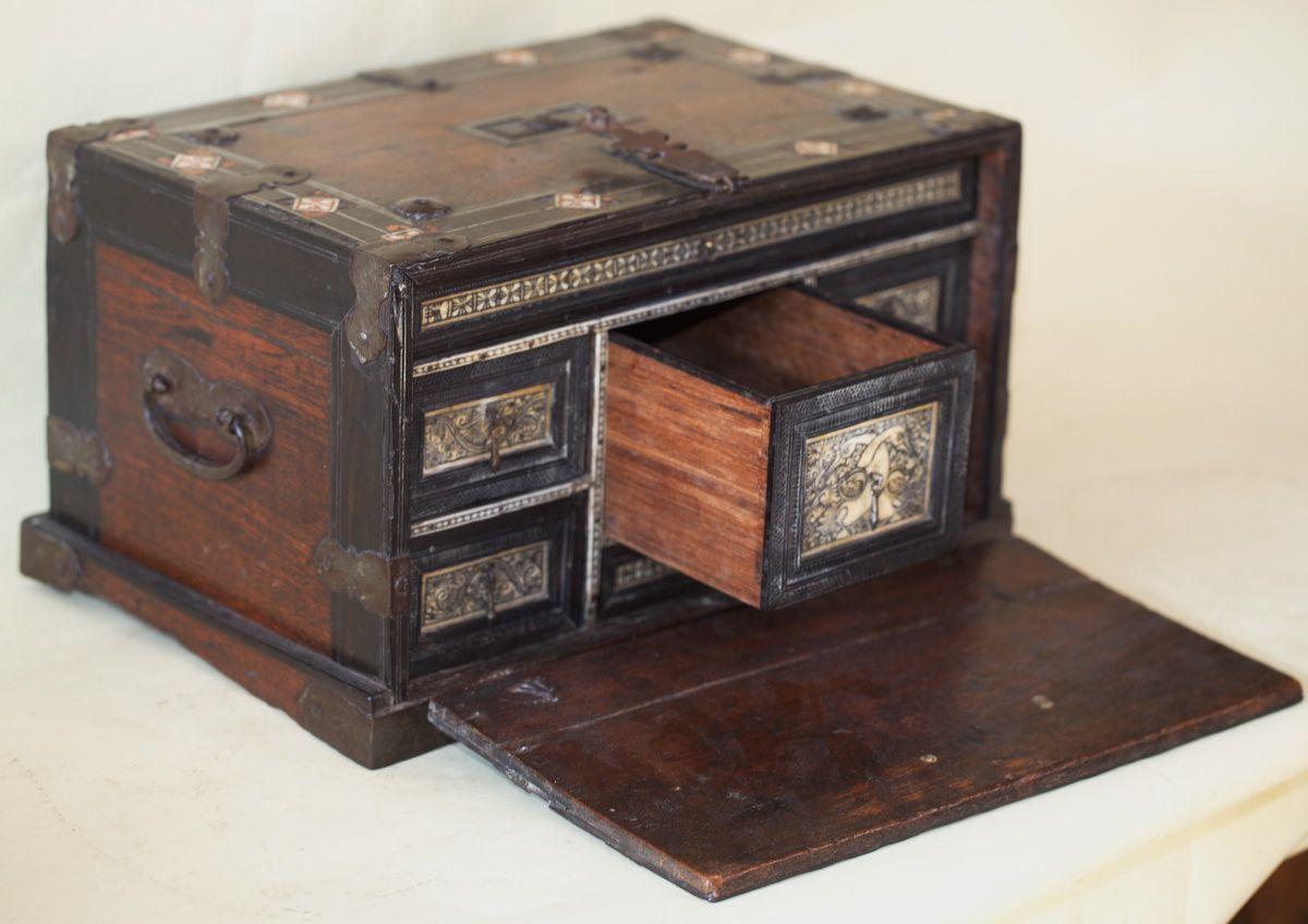Cabinet Xvii Pour L Inde Cabinet Mobilier De Salon Boites Anciennes