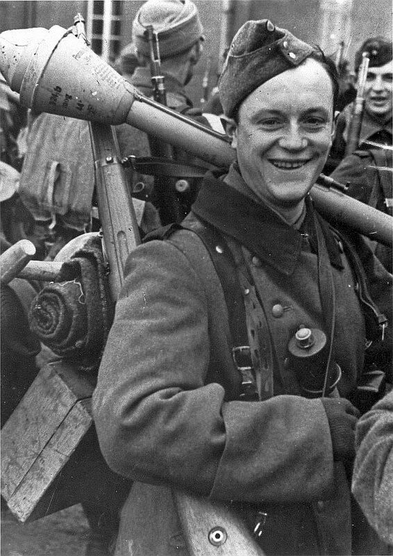 Image result for GERMAN SOLDIER WITH PANZERFAUST