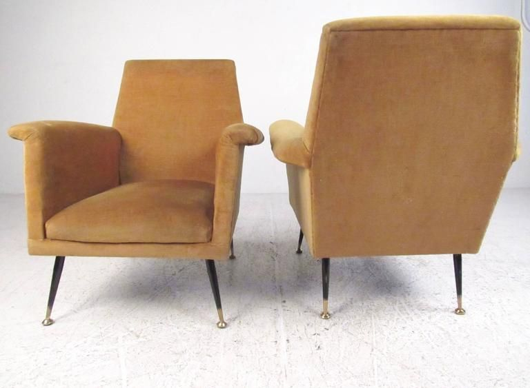 Mid Century Modern Pair Of Italian Modern Lounge Chairs In The