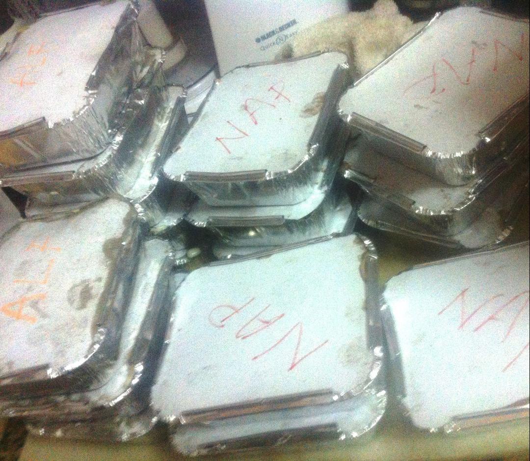 Definitivamente para nosotros no hay cliente pequeño o menos importante, lo importante es deleitar los paladares de nuestros clientes. Esta vez trabajando para nuestros talentosos  amigos del @teatropar64, que hoy estrenan su obra #PULPHISTORY en el #TeatroBolivar. #Tienesqueprobarlo -- #catering #caracas #igersvenezuela #lobuenodevenezuela #venezuela #venezuelaes #food #foodporn #instafood #instagood #cocinerosvenezolanos #foodgasm #forevergorditos #hechoenvenezuela #comidavenezolana #ccs…