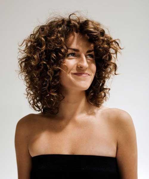 Bob Haircut And Hairstyle Ideas Hair Styles Medium Curly Hair Styles Short Layered Curly Hair