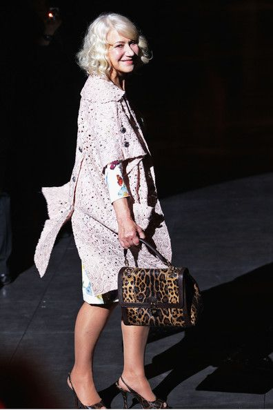 Helen Mirren Photo - Dolce & Gabbana: Front Row - Milan Fashion Week Womenswear Autumn/Winter 2012/2013