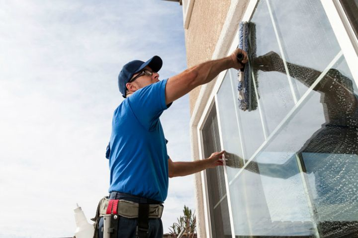 Acquire Valuable Services Of Sydney S Efficient Residential Window Cleaners Window Cleaning Services Commercial Window Cleaning Window Cleaner