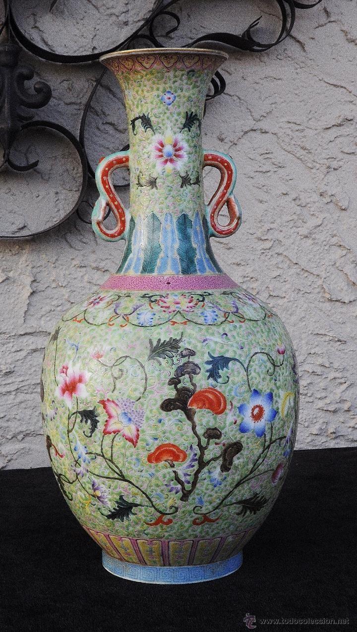 Jarron chino en porcelana decorado con flores china for Jarrones de vidrio decorados