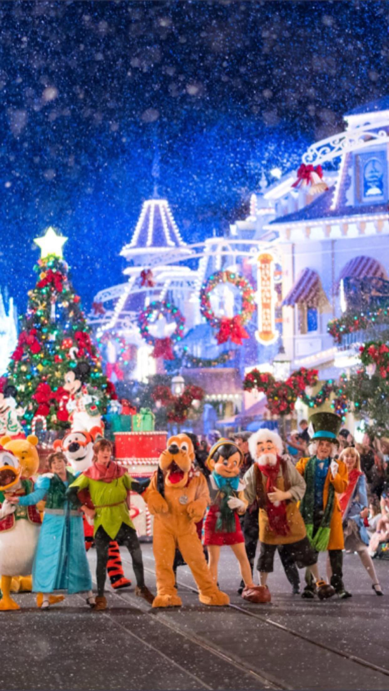 Mickey S Very Merry Christmas Parade Christmas Parade Very Merry Christmas Parades