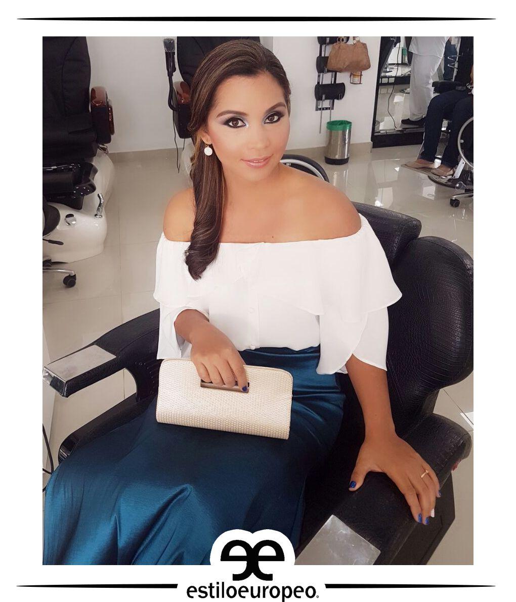 Si tu evento es de día, un maquillaje suave en tonos tierra te darán un look sencillamente hermoso y elegante Visítanos: Cll 10 # 58-07 Sta Anita Citas: 3104444 #Peluquería #Estética #SPA #Cali #CaliCo