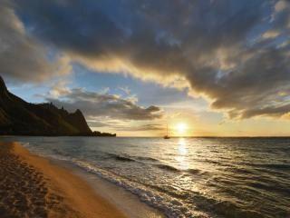 Sunset at Ha'ena Beach at the end of the road on Kauai, HI
