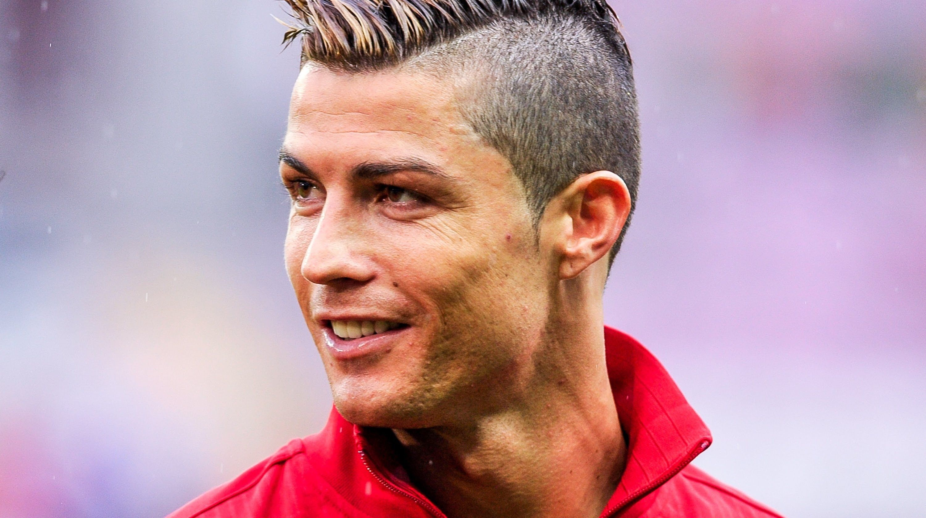 Cristiano Ronaldo Crazy Fast Skills 2013 14 Teo Cri This Business Is Also Going Viral Its Cristiano Ronaldo Hairstyle Ronaldo New Hairstyle Ronaldo Haircut
